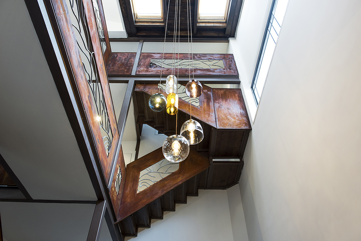 Staircase_and_light